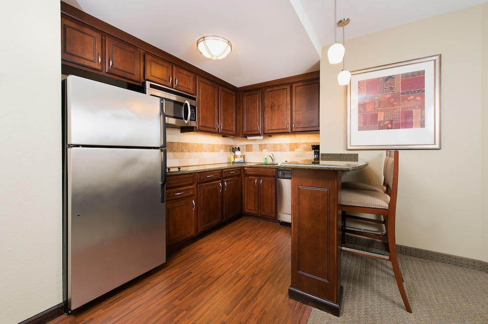 Private Kitchen, Staybridge Suites North Charleston