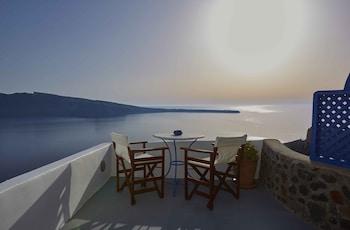 84702 Oía, Santoríni, Cyclades, Greece.