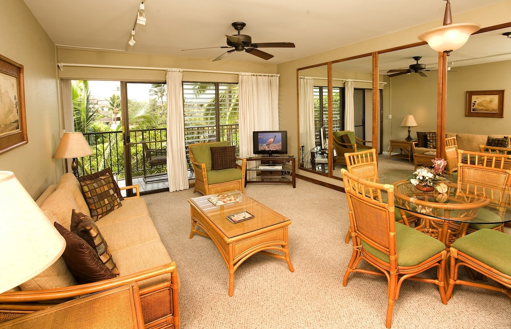 Living Area, Kihei Akahi by CRH