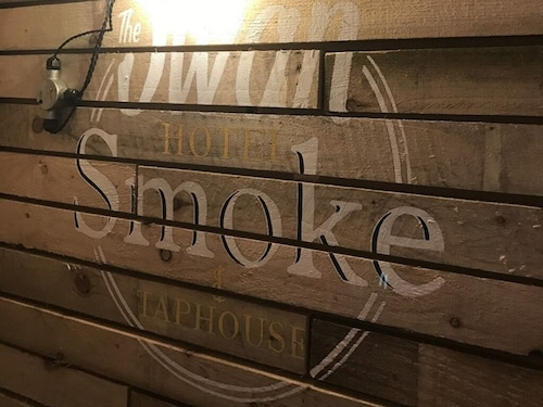 The Swan Hotel Smoke & Taphouse