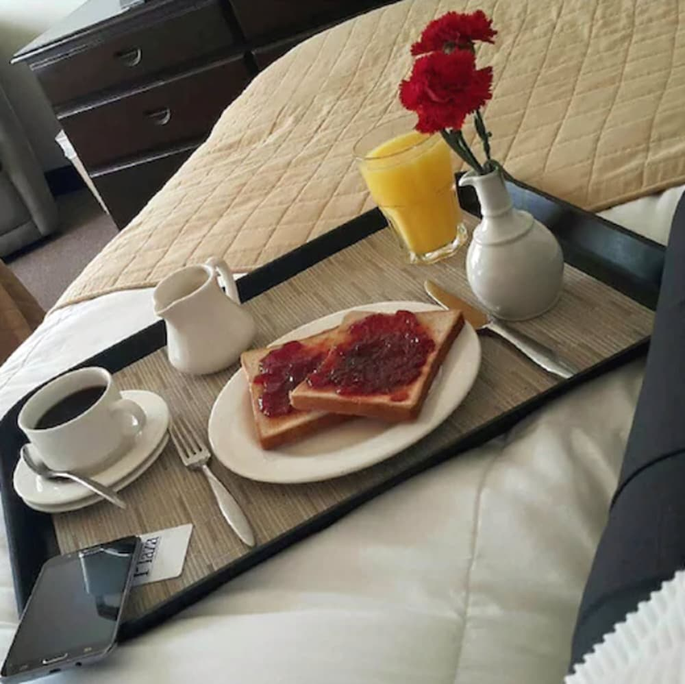 Breakfast Meal, Plaza Hotel and Suites
