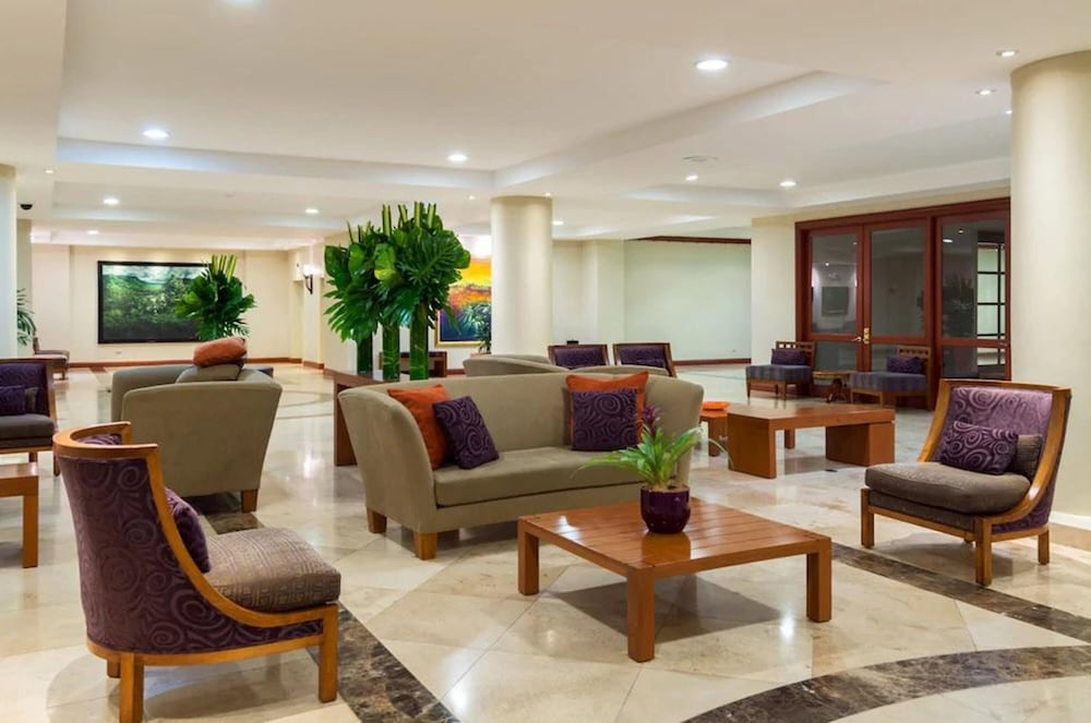 Lobby Sitting Area, Plaza Hotel and Suites