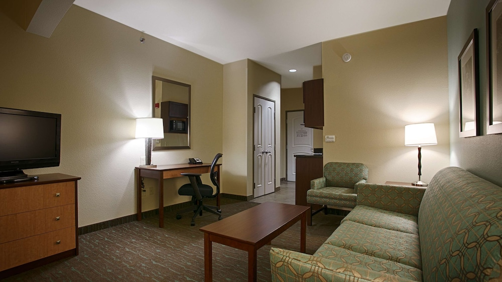 Lobby, Best Western Plus Texarkana Inn & Suites