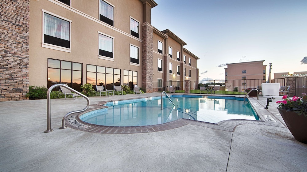 Pool, Best Western Plus Texarkana Inn & Suites