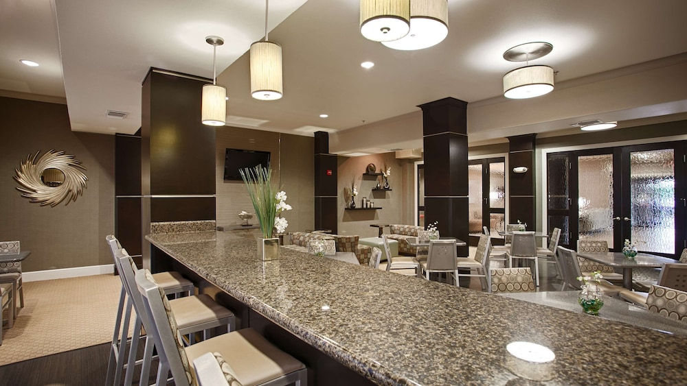 Restaurant, Best Western Plus Texarkana Inn & Suites