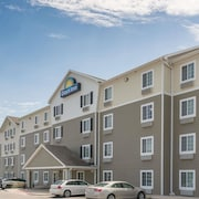 Days Inn & Suites by Wyndham Rochester Mayo Clinic South
