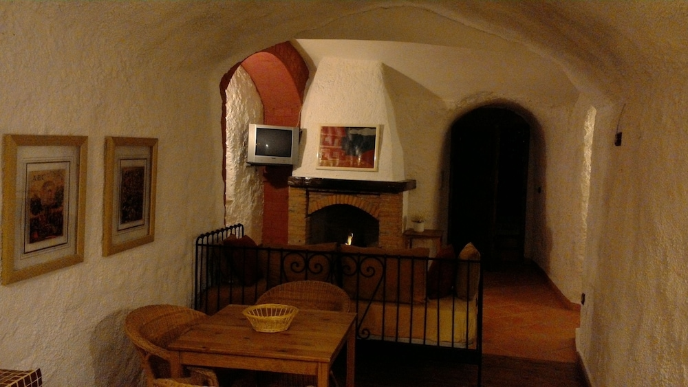 Jacuzzi Woonkamer : Huis (Cave with jacuzzi) - Woonkamer