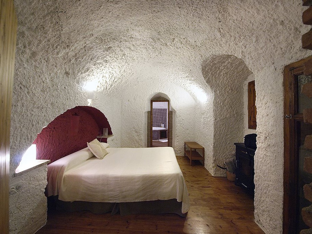 House (Cave with jacuzzi) - Featured Image