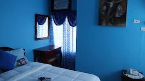 Edredones de plumas, cortinas opacas, cunas o camas infantiles (de pago)