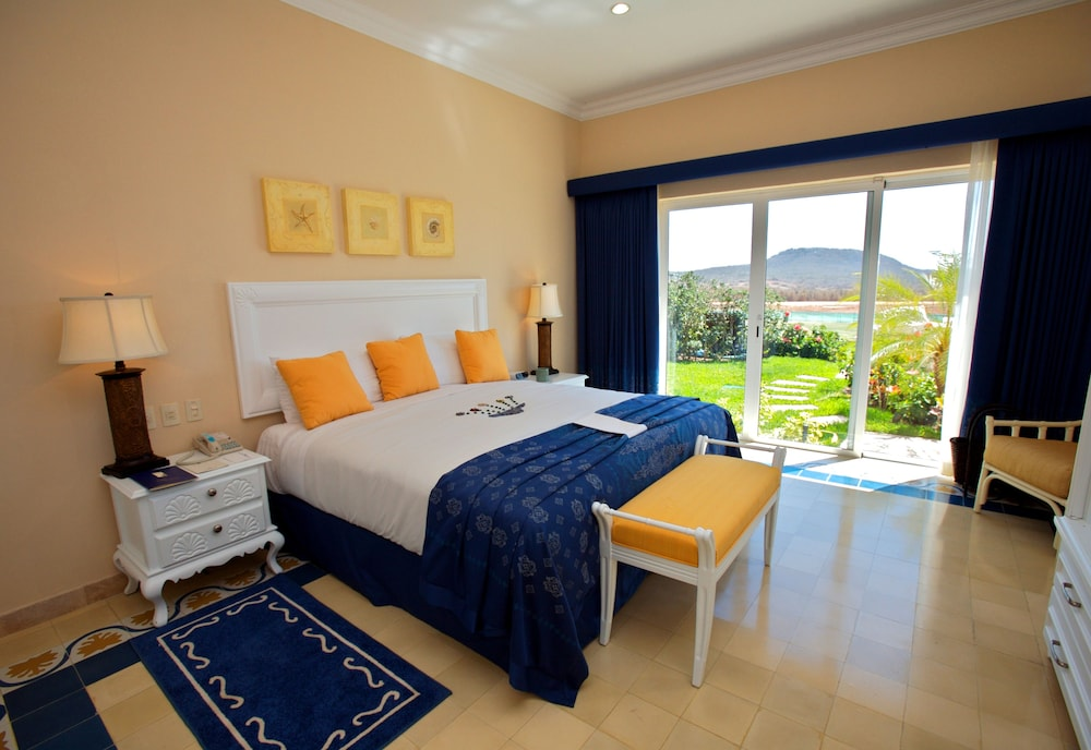 Room, Pueblo Bonito Emerald Luxury Villas & Spa - All Inclusive
