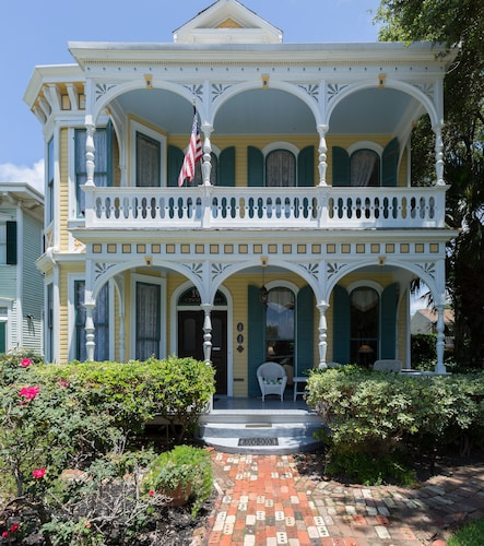 Great Place to stay Coppersmith Inn Bed and Breakfast near Galveston