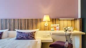 Hypo-allergenic bedding, Select Comfort beds, desk, laptop workspace