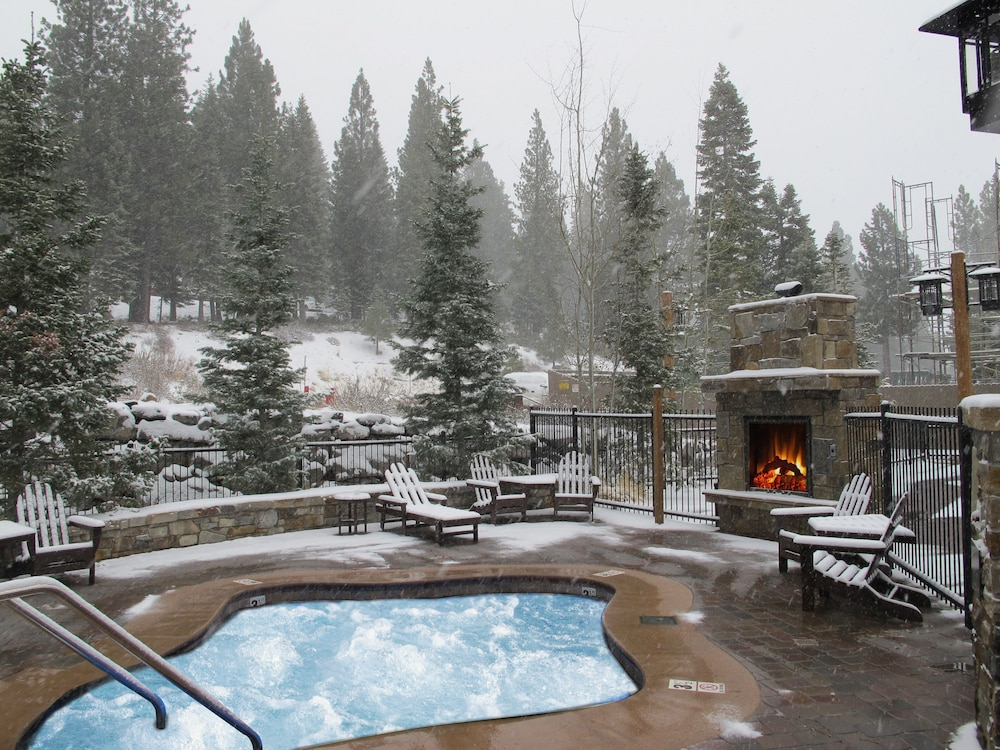 Outdoor Spa Tub, Northstar Lodge By Welk Resorts