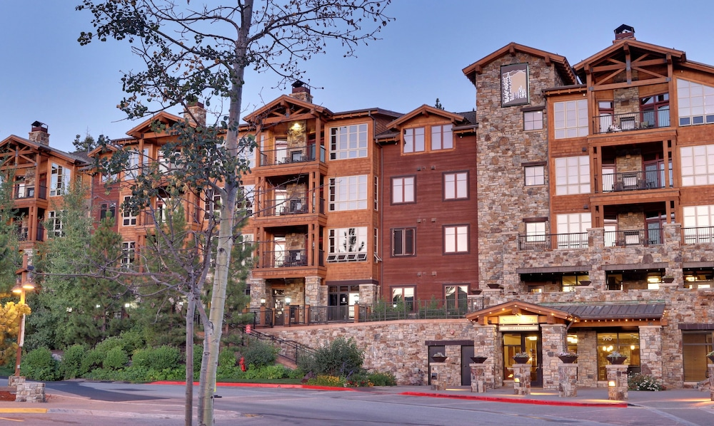 Front of Property - Evening/Night, Northstar Lodge By Welk Resorts