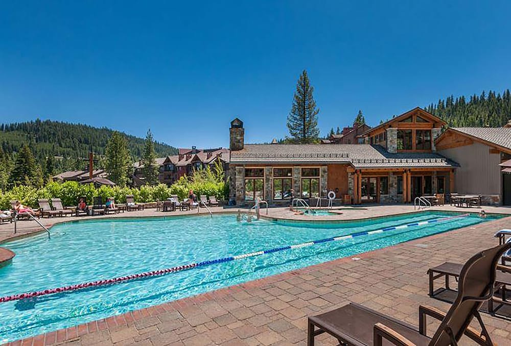 Outdoor Pool, Northstar Lodge By Welk Resorts