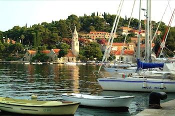 Tiha 8, 20210, Cavtat, Croatia.