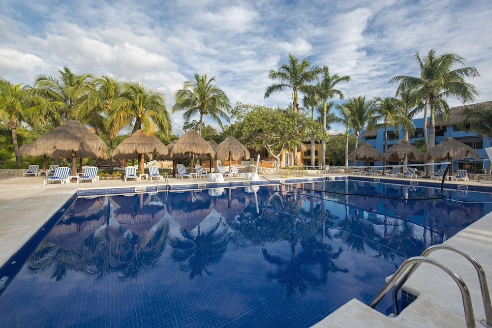 Outdoor Pool, Iberostar Selection Paraiso Maya All Inclusive