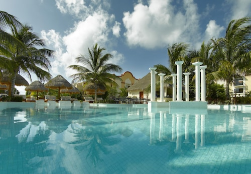 Grand Palladium Colonial Resort & Spa All Inclusive