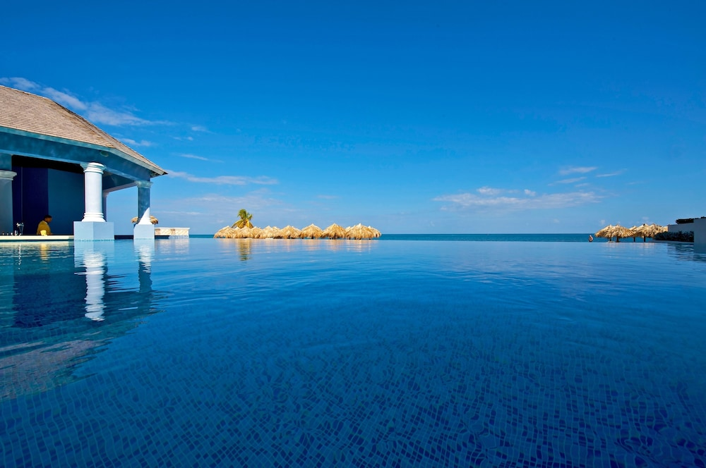Infinity Pool, Iberostar Grand Rose Hall Adults Only - All Inclusive