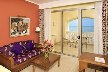 Junior Suite, Oceanfront - Guestroom