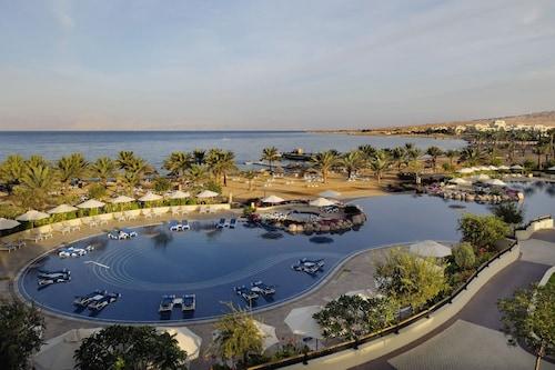 Berenice Beach Club Movenpick Resort Spa Tala Bay Aqaba