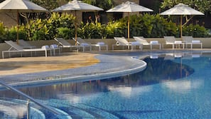 Indoor pool, 3 outdoor pools, pool umbrellas, sun loungers