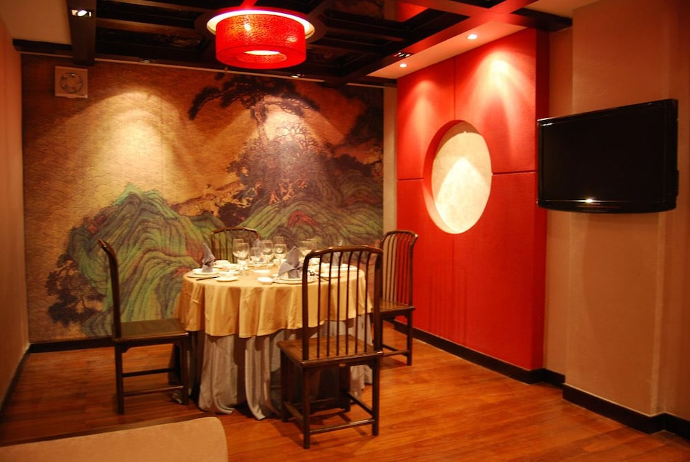 In-Room Dining, Chateau Boutique Hotel - Lijiang