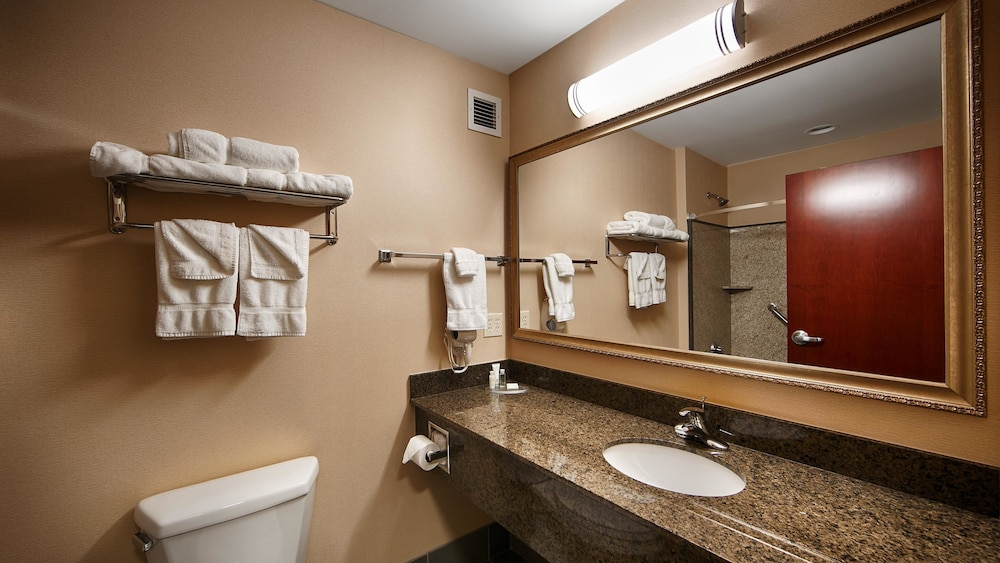 Bathroom, Best Western Plus Fossil Country Inn & Suites