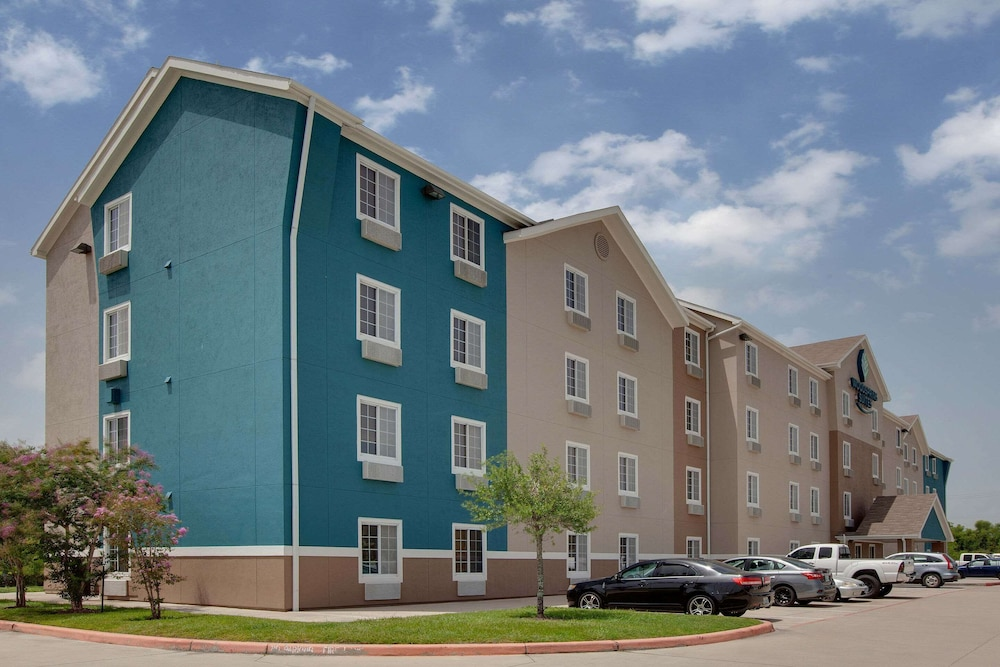 Exterior, WoodSpring Suites Texas City