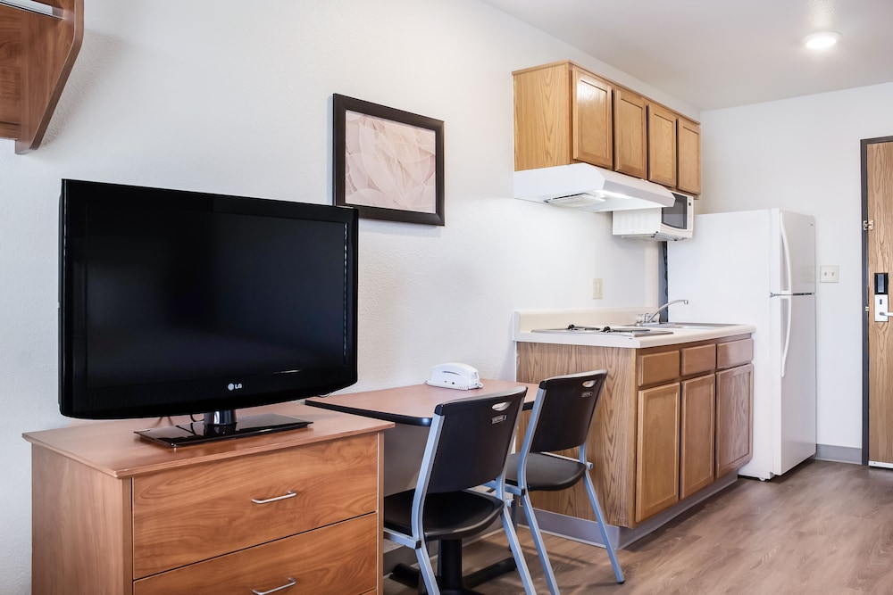 Private Kitchen, WoodSpring Suites Texas City