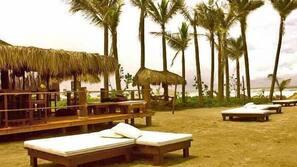 Plage privée, massages sur la plage, canoë