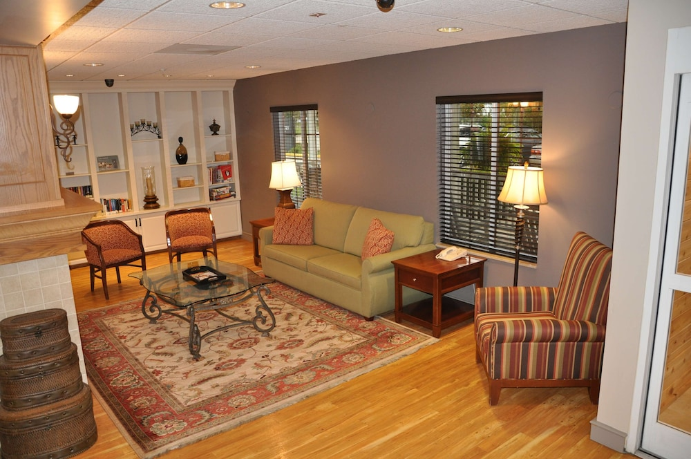 Lobby Sitting Area, Country Inn & Suites by Radisson, Covington, LA