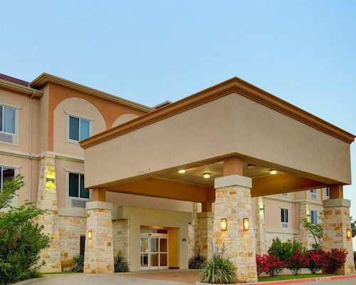 Check Expedia for Availability of Comfort Inn And Suites Alvarado