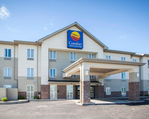 Great Place to stay Comfort Inn & Suites Harrisonville near Harrisonville