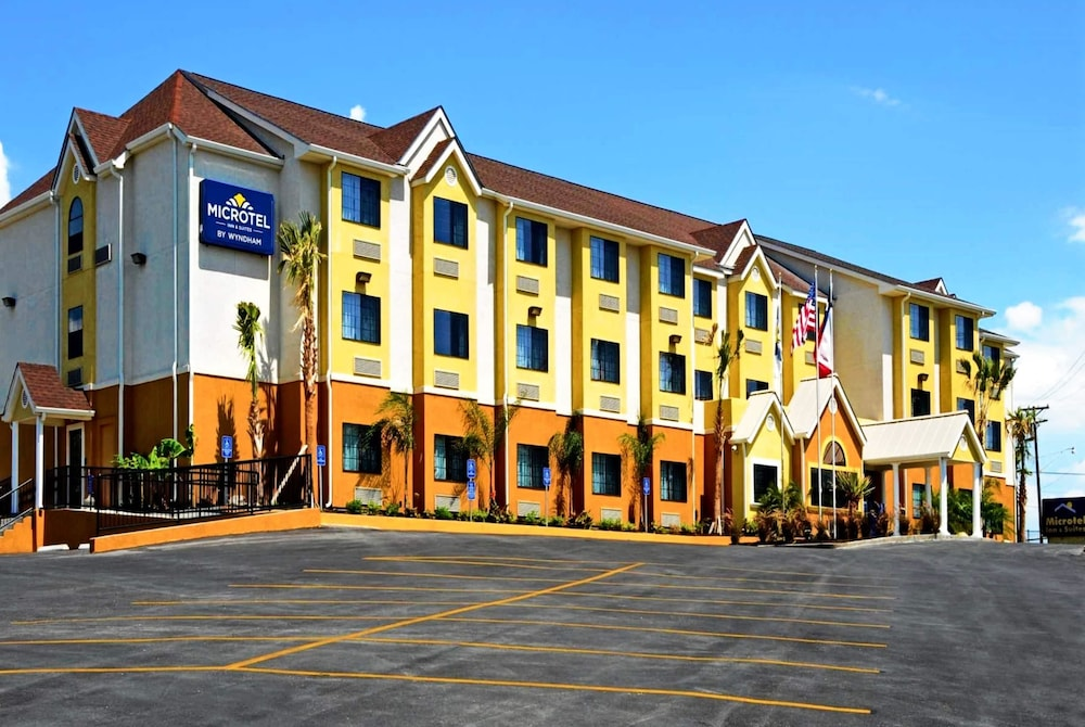 Featured Image, Microtel Inn & Suites by Wyndham New Braunfels