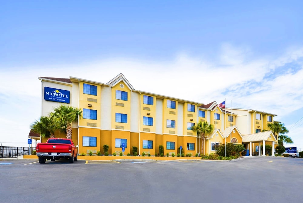 Front of Property, Microtel Inn & Suites by Wyndham New Braunfels