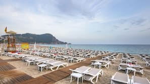 Playa privada, servicio gratuito de transporte a la playa y tumbonas