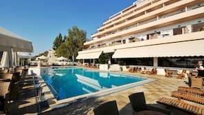Seasonal outdoor pool, open 7 AM to 8 PM, pool umbrellas, sun loungers