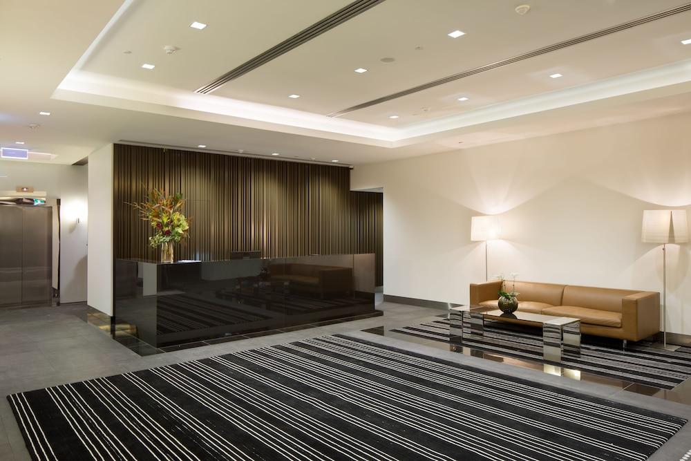 Melbourne Short Stay Apartments Southbank Collection 4 0 Out Of 5 Lobby Guestroom