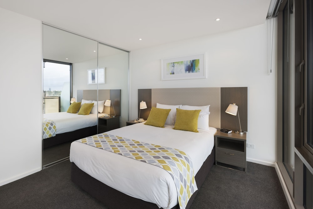 Swell Melbourne Short Stay Apartments Southbank Collection Download Free Architecture Designs Estepponolmadebymaigaardcom