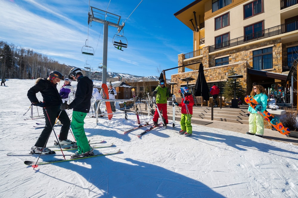 Skiing, Viceroy Snowmass