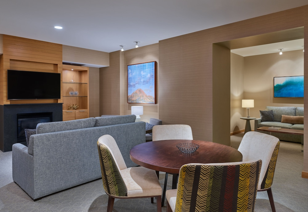Living Area, Viceroy Snowmass