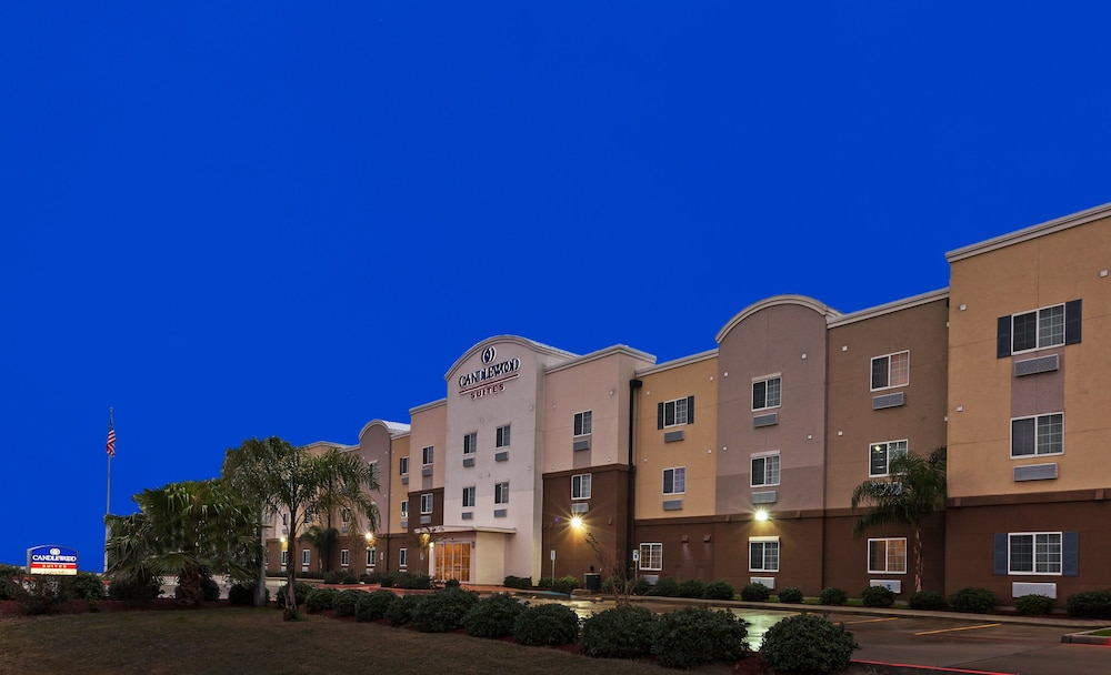 Front of Property - Evening/Night, Candlewood Suites Hotel Texas City