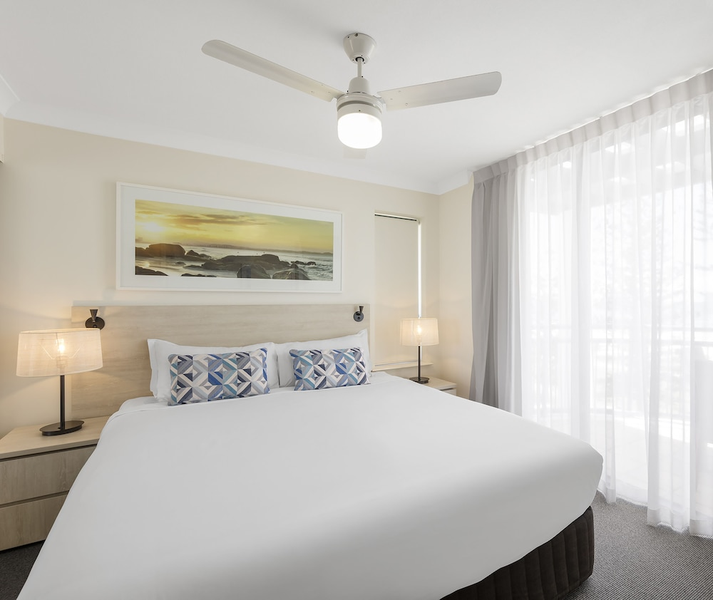 Room, Oaks Gold Coast Calypso Plaza Suites