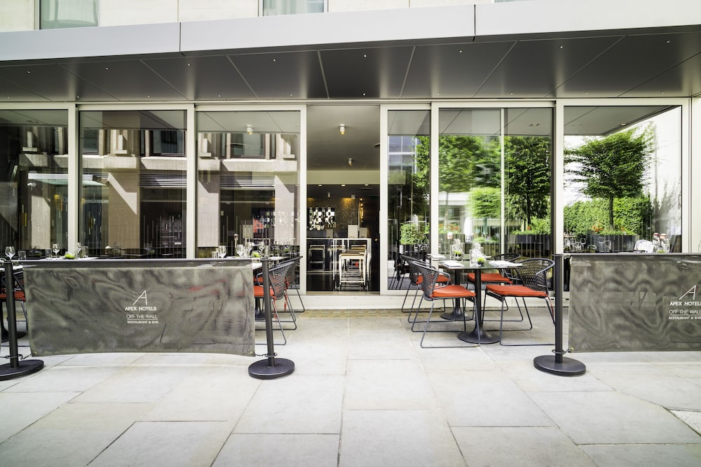 Outdoor Dining, Apex London Wall Hotel