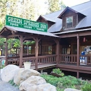 Green Springs Inn & Cabins