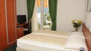Minibar, iron/ironing board, cots/infant beds, free WiFi
