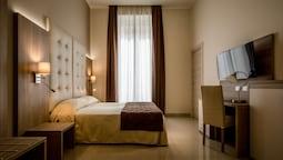 Hotel Bel Soggiorno (Genoa) – 2019 Hotel Prices | Expedia.co.uk