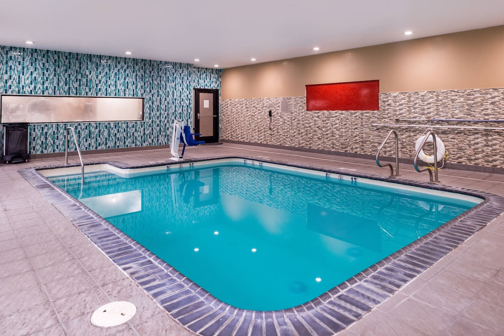 Indoor Pool, Springhill Suites by Marriott Temecula Wine Country