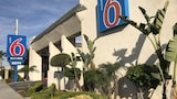 Motel 6 Newport Beach - Costa Mesa Hotels